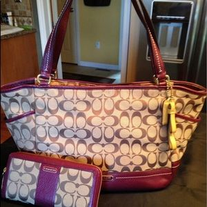 Rare Coach Carrie bag and wallet !